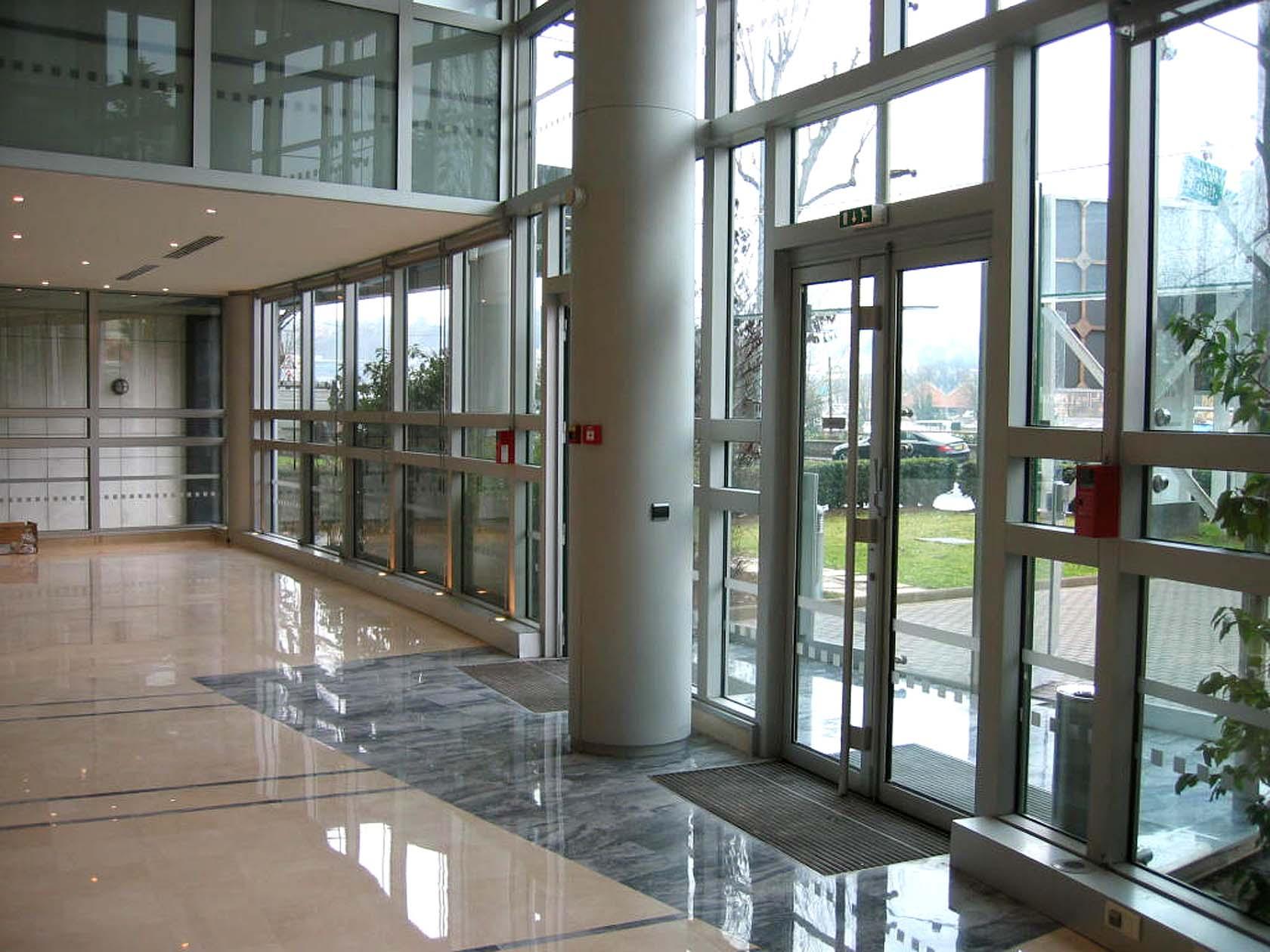 R novation int rieure d 39 un immeuble de bureaux boulogne for Immeuble bureau plan