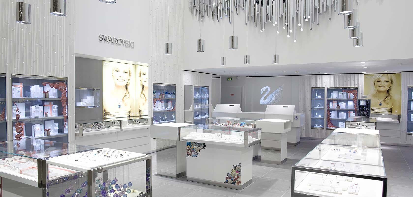 Aménagement d'une boutique de bijouterie SWAROVSKI au Carrousel du ...