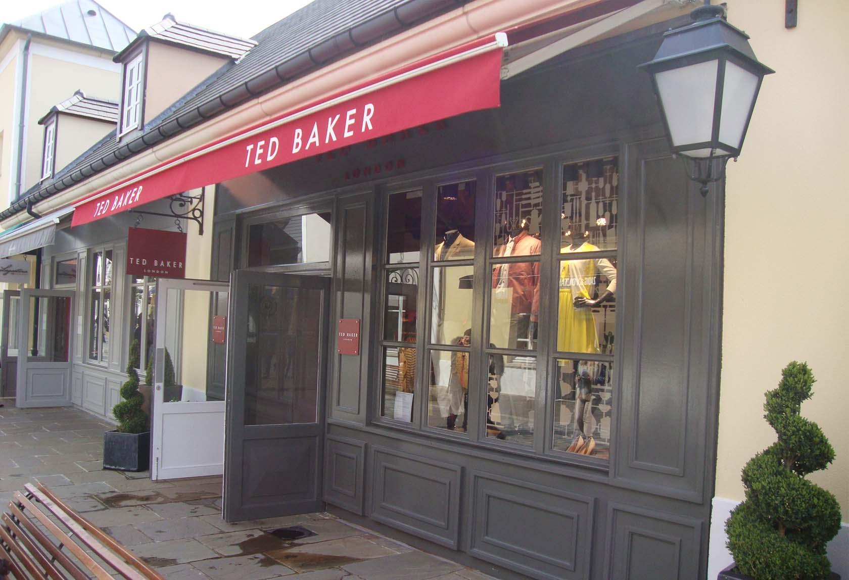 construction d'une boutique ted baker à la vallée - sam l mau